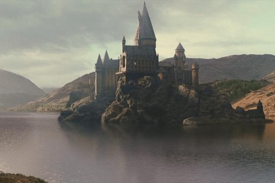Роулинг выпустит еще три книги о мире Гарри Поттера