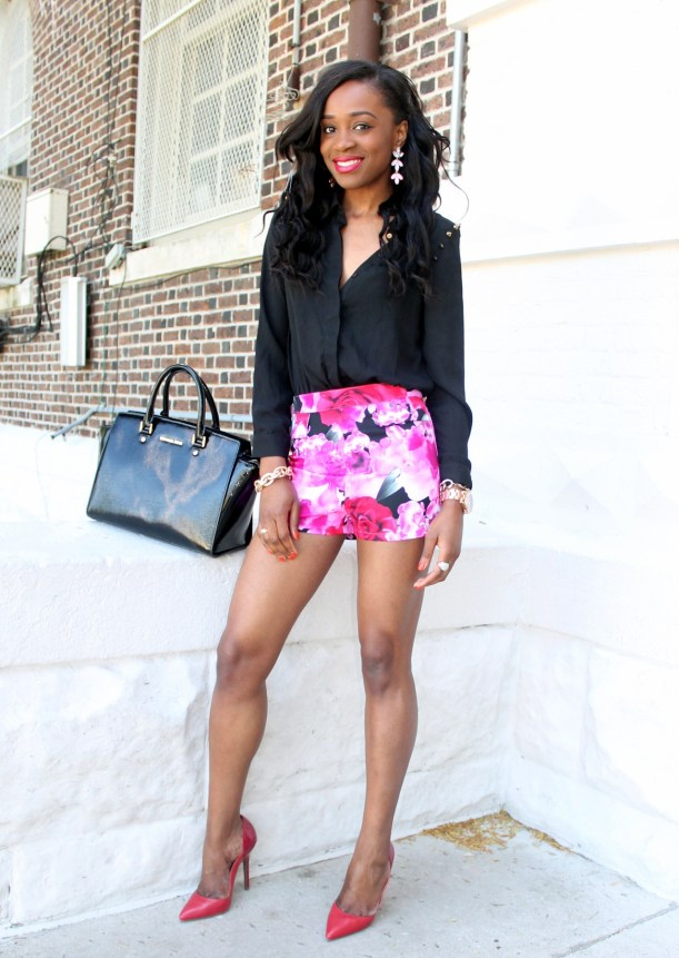 High waisted floral shorts + red pumps (11)