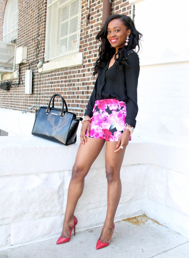 High waisted floral shorts + red pumps (12)