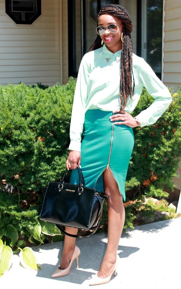 Green zippered skirt + light green top (6)