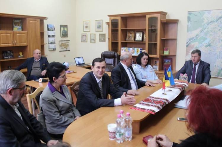 Франківськ відвідала делегація освітян з Марамуреського повіту Румунії
