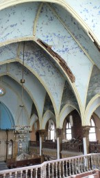 40. General view of the vaults of the central nave