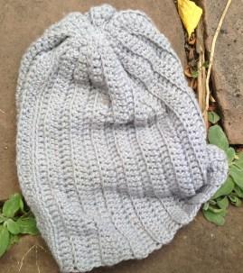 Ugly knit hat. TRASH.