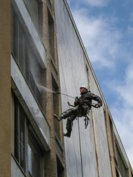 03-nettoyages-haute-pression-travaux-acrobatique-Lausanne