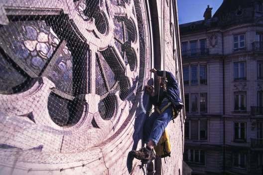 13-anti_pigeons-eglise-des-terreaux10