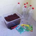 Diese Gegenstände benötigst du für das DIY des Flaschenturms