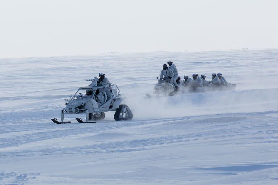 Подразделение Росгвардии в ходе учений в Арктике