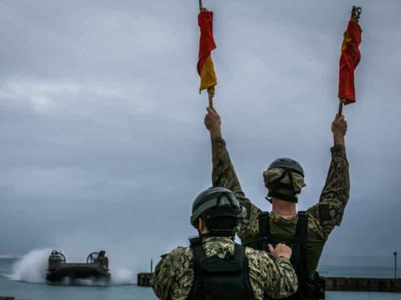 Военнослужащий Корпуса морской пехоты США
