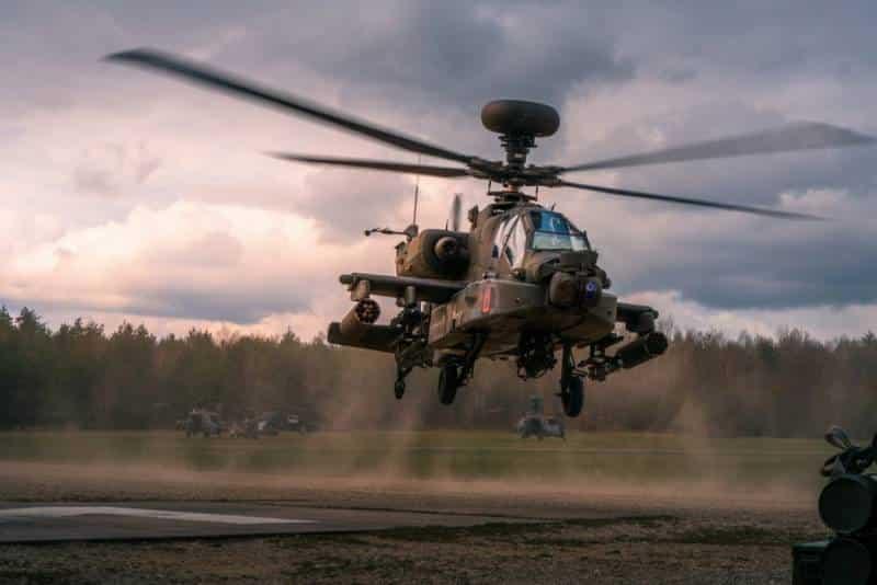 Американский ударный вертолет AH-64 Apache