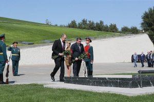 возложение цветов в музее-панораме «Сталинградская битва»