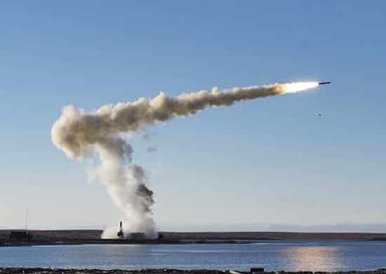 залп-ракетного-комплекса-Бастион
