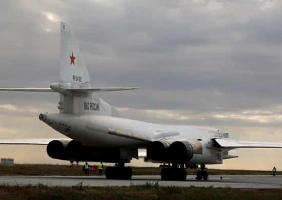 стратегический ракетоносец Ту-160 дальней авиации