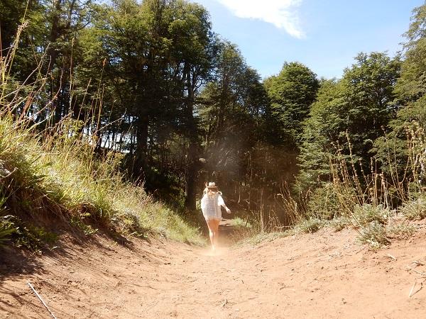 Huppelen in het zand