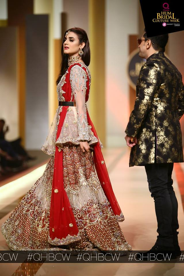 Pakistani Celebrities Walk The Ramp For Bridal Couture ...