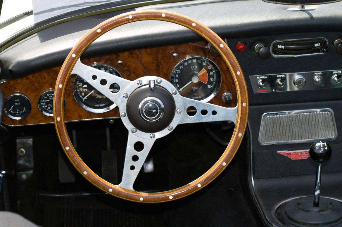 L'AUSTIN-HEALEY 3000 interieur