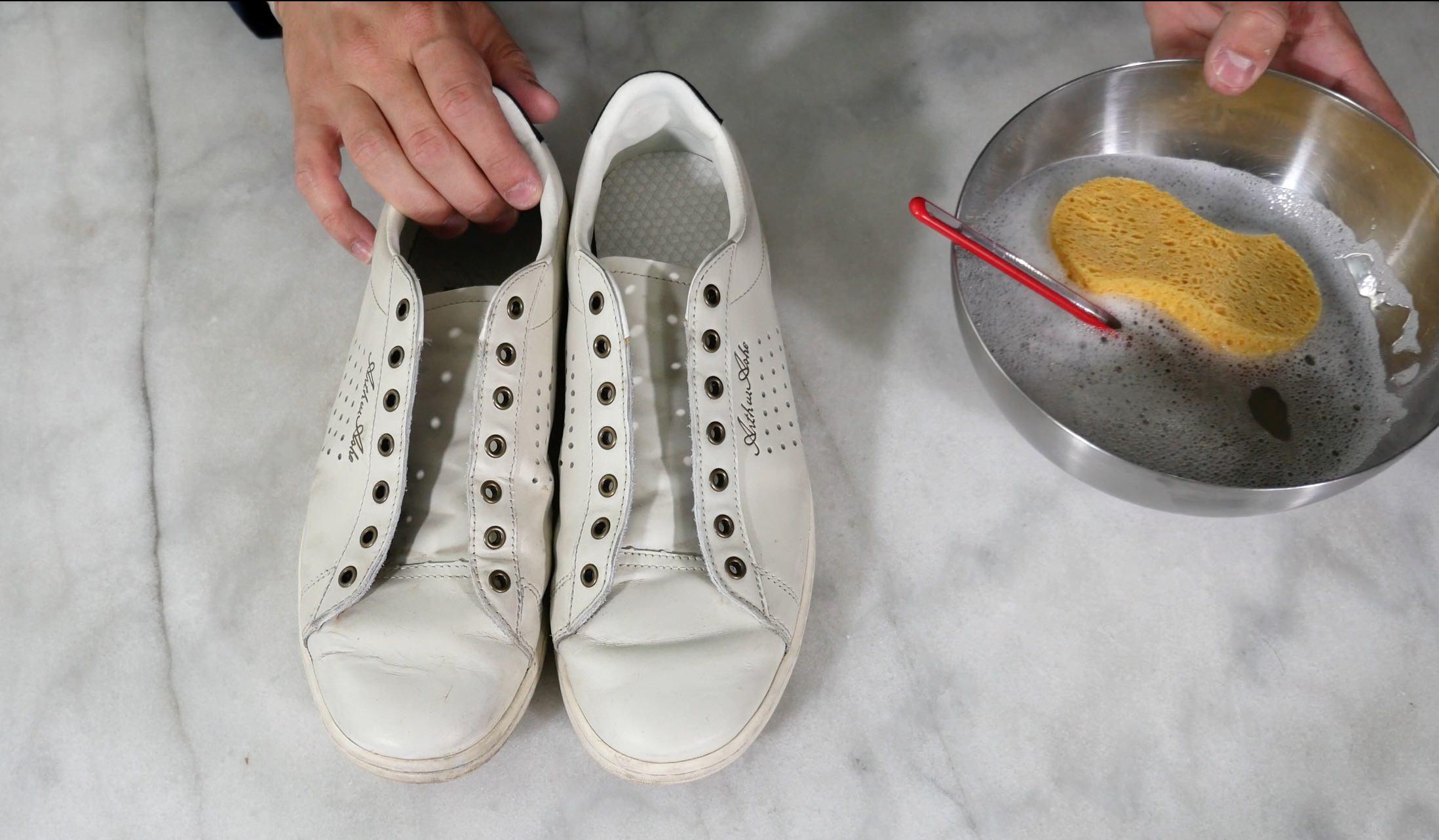 Comment bien nettoyer ses baskets blanches en cuir ? Tuto Vidéo