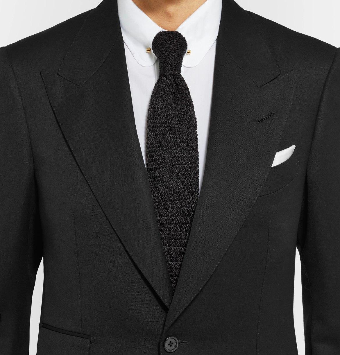 choisir cravate costume noir