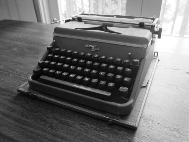 Пишущая машинка из коллекции Хэнкса Hermes 2000