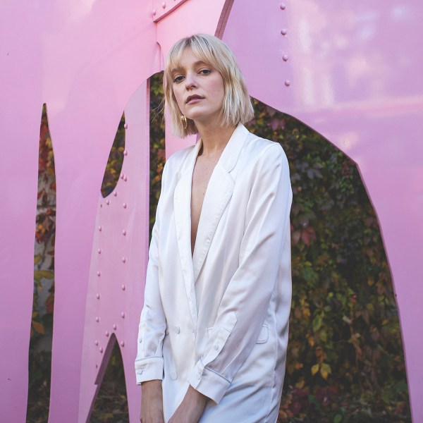 Australian brand Silk Laundry worn by Very Joëlle and photo by Naomie Tremblay