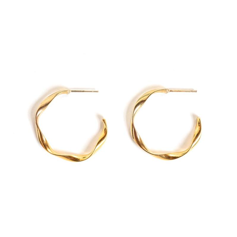 Gold plated earrings by WellDunn