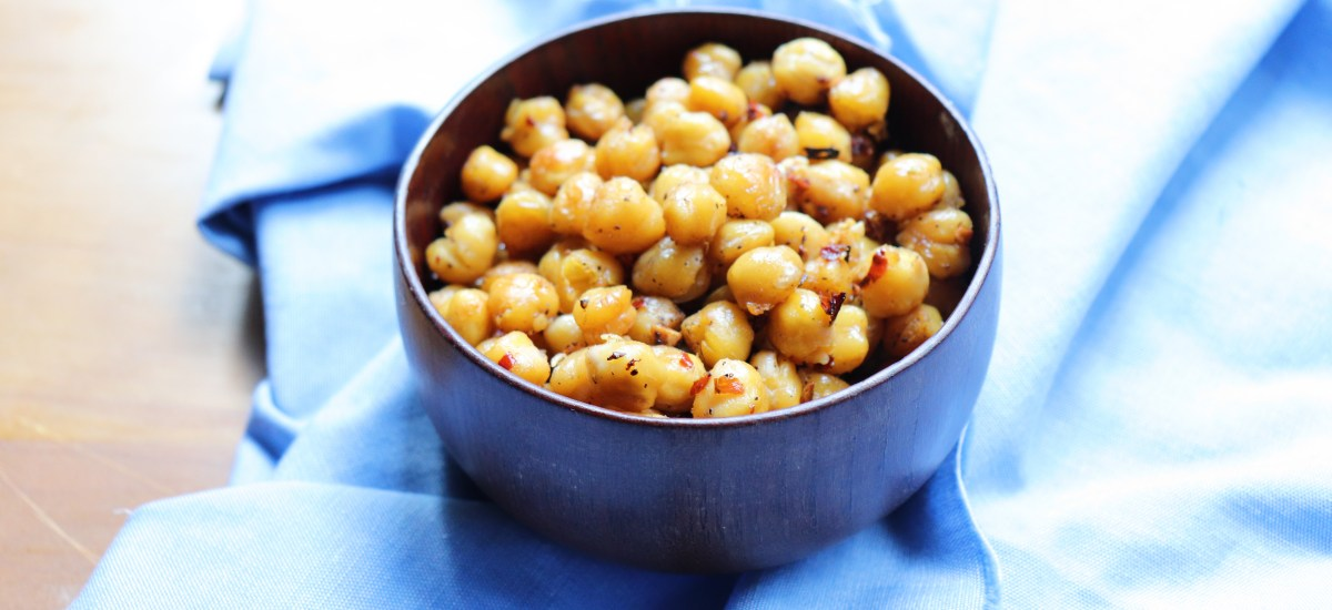Spicy Garlic Roasted Chickpeas Snack