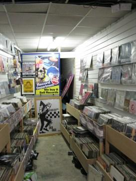 entertainment world shop 13
