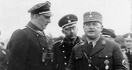 SA lideri Ernst Röhm (sağda)