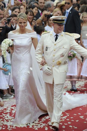 Три платья для невесты