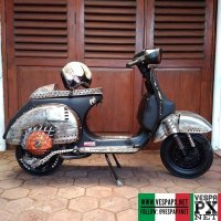 Stripped Vespa PX  @rat.psycho