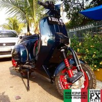 Dark green Vespa PX custom modified tuning racer style @katsuji_96
