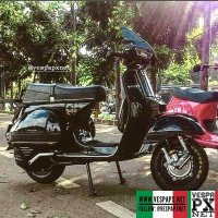 Black Vespa excel T5 custom modified . hashtag and mention @vespapxnet for feature repost @daud_sebastian