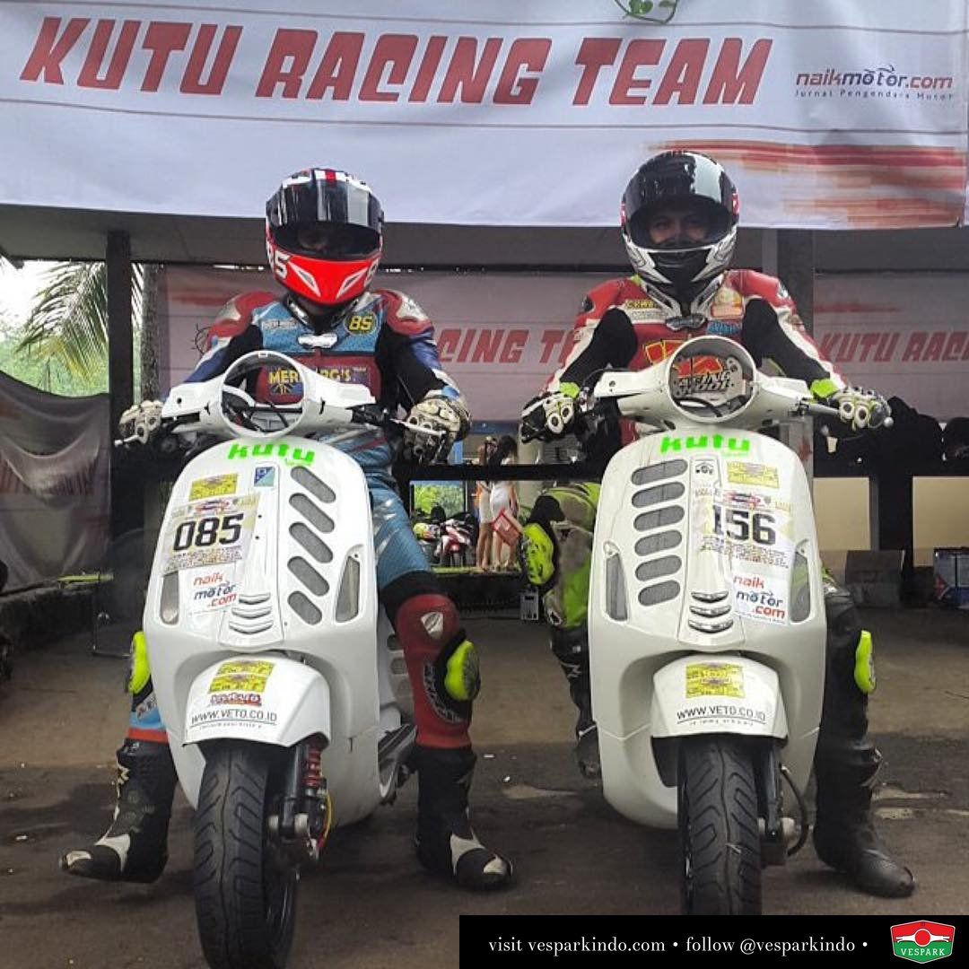 Vespa Racing with Kutu Racing Team  Repost @kutucommunity ・・・ Kutu Racing Team Berkomitmen Memajukan Dunia Balap Indonesia  Jauhkan Perbedaan BerseKUTU Banyak Manfaatnya Salam Berkendara Aman