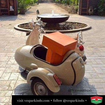 Vespa LXV sidecar 10