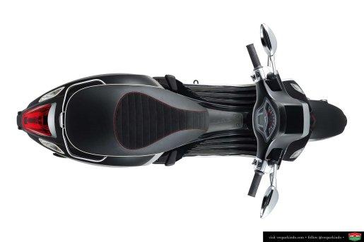 vespa sprint carbon saddle