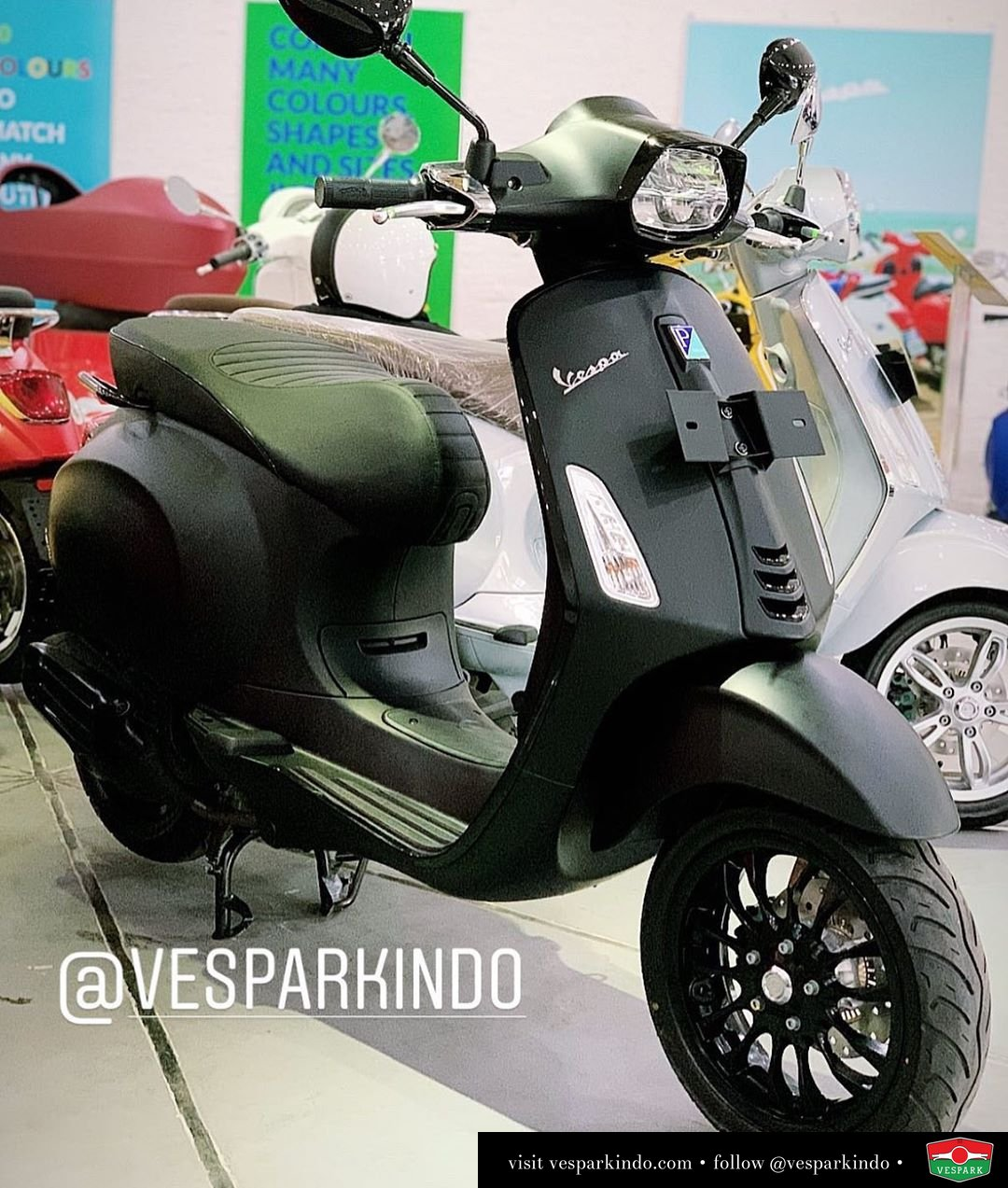 Vespa Sprint Notte Limited Edition