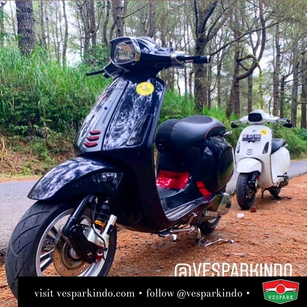 Black and White Vespa Sprint  Vespa Sprint S iget ABS LED now available in black @scootermood_