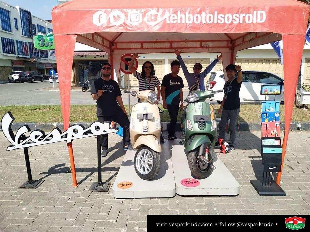 Pameran dan test ride Vespa di J-Walk J City jln Karya Wisata Medan Johor Yuk test ride