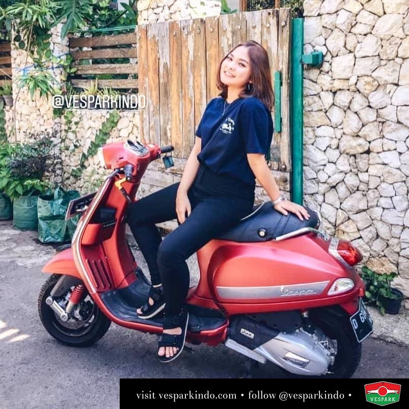 Vespa Girl with red Vespa S Merdeka  @intanpp_
