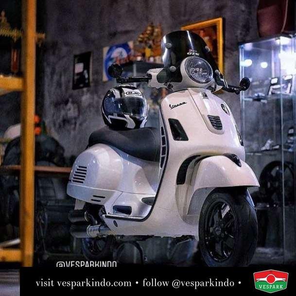 Vespa GTS custom @wastegaragescooters