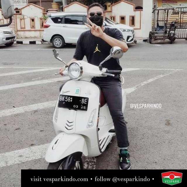 Ride Medan  Live More Ride Vespa Saatnya anda miliki scooter matic legendaris Vespa!  Geser untuk lihat genuine aksesoris Vespa @vesparkindo dan lihat sorotan utk paket promo aksesoris   Tersedia penawaran leasing/kredit menarik untuk semua tipe Vespa. Cek info di web, link di bio  Hubungi dealer resmi Vespark Piaggio Vespa Medan Sumut @vesparkindo untuk pesanan Medan, Aceh, Riau dan Sumut Dealer tetap buka selama liburan silakan WA 0815-21-595959 untuk appointment, jam buka dan DM utk brosur terbaru  Kunjungi: VESPARK: Piaggio Vespa 3S ShowPark Jln Prof HM Yamin No.16A (simpang Jln Jawa)  Medan Telp. 061-456-5454 Cek IG @vesparkindo   @061_al