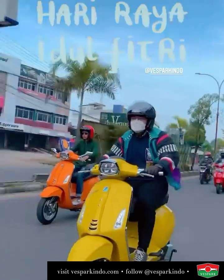Selamat Hari Raya Idul Fitri Ride  Live More Ride Vespa Saatnya anda miliki scooter matic legendaris Vespa!  Tersedia penawaran leasing/kredit menarik untuk semua tipe Vespa. Cek info di web, link di bio  Hubungi dealer resmi Vespark Piaggio Vespa Medan Sumut @vesparkindo untuk pesanan Medan, Aceh, Riau dan Sumut Dealer tetap buka selama liburan silakan WA 0815-21-595959 untuk appointment, jam buka dan DM utk brosur terbaru  Kunjungi: VESPARK: Piaggio Vespa 3S ShowPark Jln Prof HM Yamin No.16A (simpang Jln Jawa)  Medan Telp. 061-456-5454 Cek IG @vesparkindo   @rahmaaa.bm