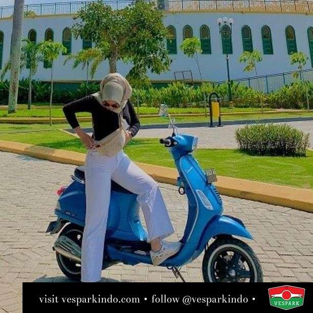 It's a beautiful day  Live More Ride Vespa Saatnya anda miliki scooter matic legendaris Vespa!  Geser untuk lihat Vespa S terbaru dan genuine aksesoris Vespa @vesparkindo dan lihat sorotan utk paket promo aksesoris   Tersedia penawaran leasing/kredit menarik untuk semua tipe Vespa. Cek info di web, link di bio  Hubungi dealer resmi Vespark Piaggio Vespa Medan Sumut @vesparkindo untuk pesanan Medan, Aceh, Riau dan Sumut Dealer tetap buka selama liburan silakan WA 0815-21-595959 untuk appointment, jam buka dan DM utk brosur terbaru  Kunjungi: VESPARK: Piaggio Vespa 3S ShowPark Jln Prof HM Yamin No.16A (simpang Jln Jawa)  Medan Telp. 061-456-5454 Cek IG @vesparkindo   @putriandrianty_06