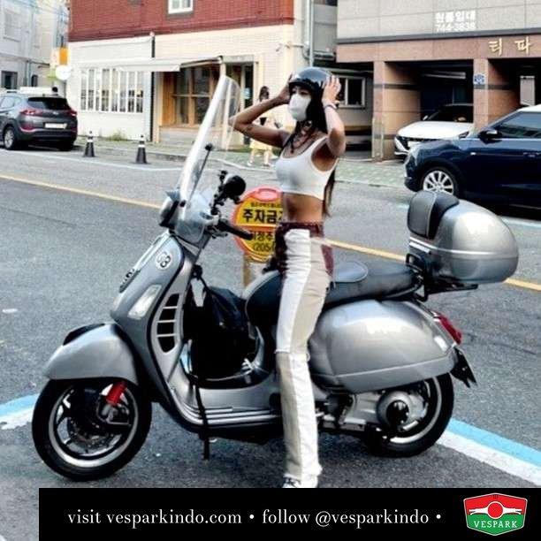 GTS  Live More Ride Vespa Saatnya anda miliki scooter matic legendaris Vespa!  Geser untuk lihat genuine aksesoris Vespa @vesparkindo dan lihat sorotan utk paket promo aksesoris   Tersedia penawaran leasing/kredit menarik untuk semua tipe Vespa. Cek info di web, link di bio  Hubungi dealer resmi Vespark Piaggio Vespa Medan Sumut @vesparkindo untuk pesanan Medan, Aceh, Riau dan Sumut Dealer tetap buka selama liburan silakan WA 0815-21-595959 untuk appointment, jam buka dan DM utk brosur terbaru  Kunjungi: VESPARK: Piaggio Vespa 3S ShowPark Jln Prof HM Yamin No.16A (simpang Jln Jawa)  Medan Telp. 061-456-5454 Cek IG @vesparkindo   feature @xoxomyul