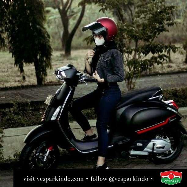 Mau ikut aku lihat sunset?  Live More Ride Vespa Saatnya anda miliki scooter matic legendaris Vespa!  Geser untuk lihat genuine aksesoris Vespa @vesparkindo dan lihat sorotan utk paket promo aksesoris   Tersedia penawaran leasing/kredit menarik untuk semua tipe Vespa. Cek info di web, link di bio  Hubungi dealer resmi Vespark Piaggio Vespa Medan Sumut @vesparkindo untuk pesanan Medan, Aceh, Riau dan Sumut Dealer tetap buka selama liburan silakan WA 0815-21-595959 untuk appointment, jam buka dan DM utk brosur terbaru  Kunjungi: VESPARK: Piaggio Vespa 3S ShowPark Jln Prof HM Yamin No.16A (simpang Jln Jawa)  Medan Telp. 061-456-5454 Cek IG @vesparkindo   feature @fasanjelina