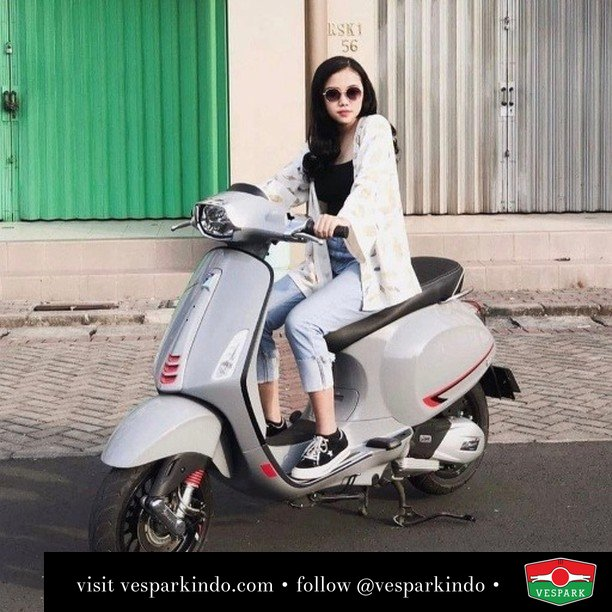 Sprint up  Live More Ride Vespa Saatnya anda miliki scooter matic legendaris Vespa!  Geser untuk lihat genuine aksesoris Vespa @vesparkindo dan lihat sorotan utk paket promo aksesoris   Tersedia penawaran leasing/kredit menarik untuk semua tipe Vespa. Cek info di web, link di bio  Hubungi dealer resmi Vespark Piaggio Vespa Medan Sumut @vesparkindo untuk pesanan Medan, Aceh, Riau dan Sumut Dealer tetap buka selama liburan silakan WA 0815-21-595959 untuk appointment, jam buka dan DM utk brosur terbaru  Kunjungi: VESPARK: Piaggio Vespa 3S ShowPark Jln Prof HM Yamin No.16A (simpang Jln Jawa)  Medan Telp. 061-456-5454 Cek IG @vesparkindo   feature @agtna_