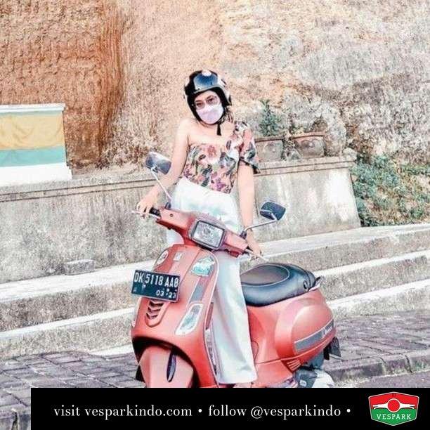 Travel and explore with Vespa  Live More Ride Vespa Saatnya anda miliki scooter matic legendaris Vespa!  Geser untuk lihat Vespa S terbaru dan genuine aksesoris Vespa @vesparkindo dan lihat sorotan utk paket promo aksesoris   Tersedia penawaran leasing/kredit menarik untuk semua tipe Vespa. Cek info di web, link di bio  Hubungi dealer resmi Vespark Piaggio Vespa Medan Sumut @vesparkindo untuk pesanan Medan, Aceh, Riau dan Sumut Dealer tetap buka selama liburan silakan WA 0815-21-595959 untuk appointment, jam buka dan DM utk brosur terbaru  Kunjungi: VESPARK: Piaggio Vespa 3S ShowPark Jln Prof HM Yamin No.16A (simpang Jln Jawa)  Medan Telp. 061-456-5454 Cek IG @vesparkindo   feature @rizkahiranka