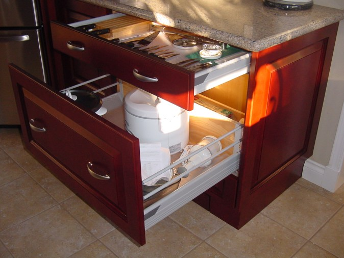 drawer size accommodates small appliances