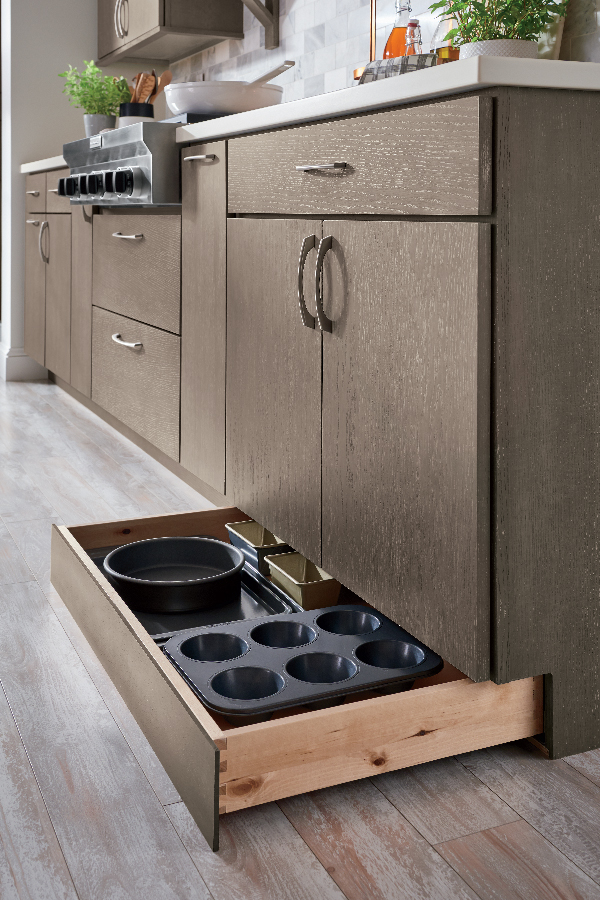 Drawers in kick space