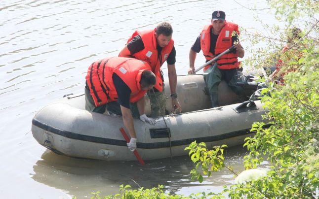 pompieri apa barca