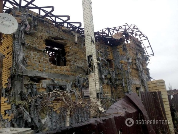 Опубликованы фото руин элитного поселка под Донецком ...